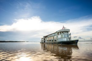 amazon-discovery-vessel